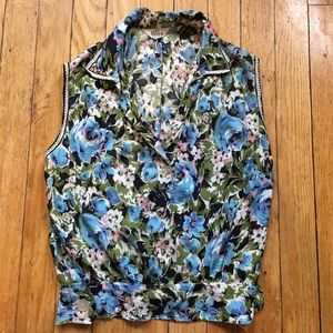 Tops - SOLD Vintage floral crop top with collar
